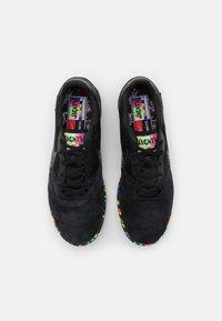 Nike Performance - PREMIER II SALA IC - Indoor football boots - black - 3