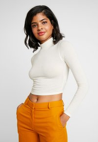 BDG Urban Outfitters - COSY FUNNEL NECK - Topper langermet - ivory - 0