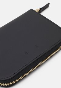 PB 0110 - Wallet - black - 5