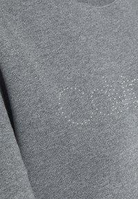 Calvin Klein - LOGO STUD - Sweatshirt - mid grey heather - 2