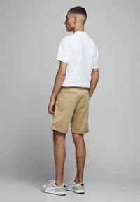 Jack & Jones - Shorts - khaki - 2