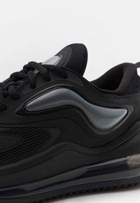 Nike Sportswear - AIR MAX ZEPHYR UNISEX - Sneakers laag - black/dark smoke grey - 5