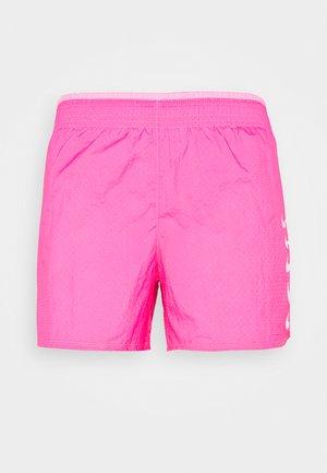 RUN SHORT - Sports shorts - pink glow/white