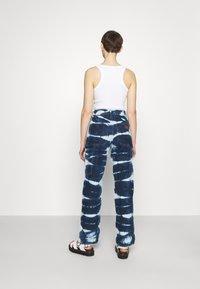 BDG Urban Outfitters - JUNO - Jeans straight leg - indigo - 2