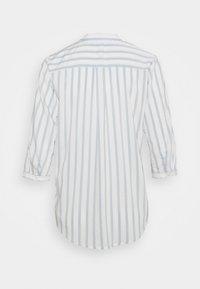 Vero Moda Petite - VMERIKA STRIPE 3/4 SHIRT - Blouse - snow white/blue fog - 6