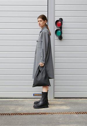 JAPANESE BAG SMALL - Shoppingveske - black