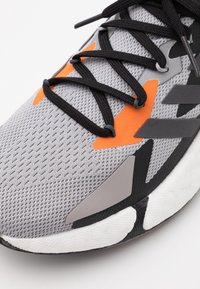 adidas Originals - X9000L4 BOOST SPORTS RUNNING SHOES - Matalavartiset tennarit - grey two f/night met./grey three f - 7