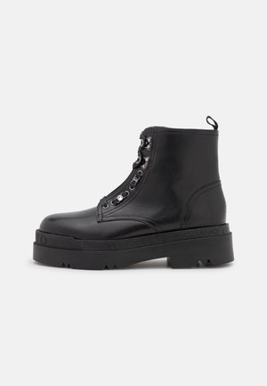 LOVE BOOTIE - Platform ankle boots - black