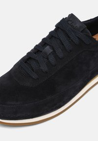 Clarks - CRAFTRUN LACE - Trainers - navy - 4