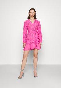 Never Fully Dressed - RAINBOW SPOT MINI DRESS - Denní šaty - pink - 0