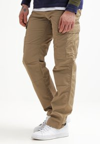 Carhartt WIP - REGULAR COLUMBIA - Pantalon cargo - leather rinsed - 0