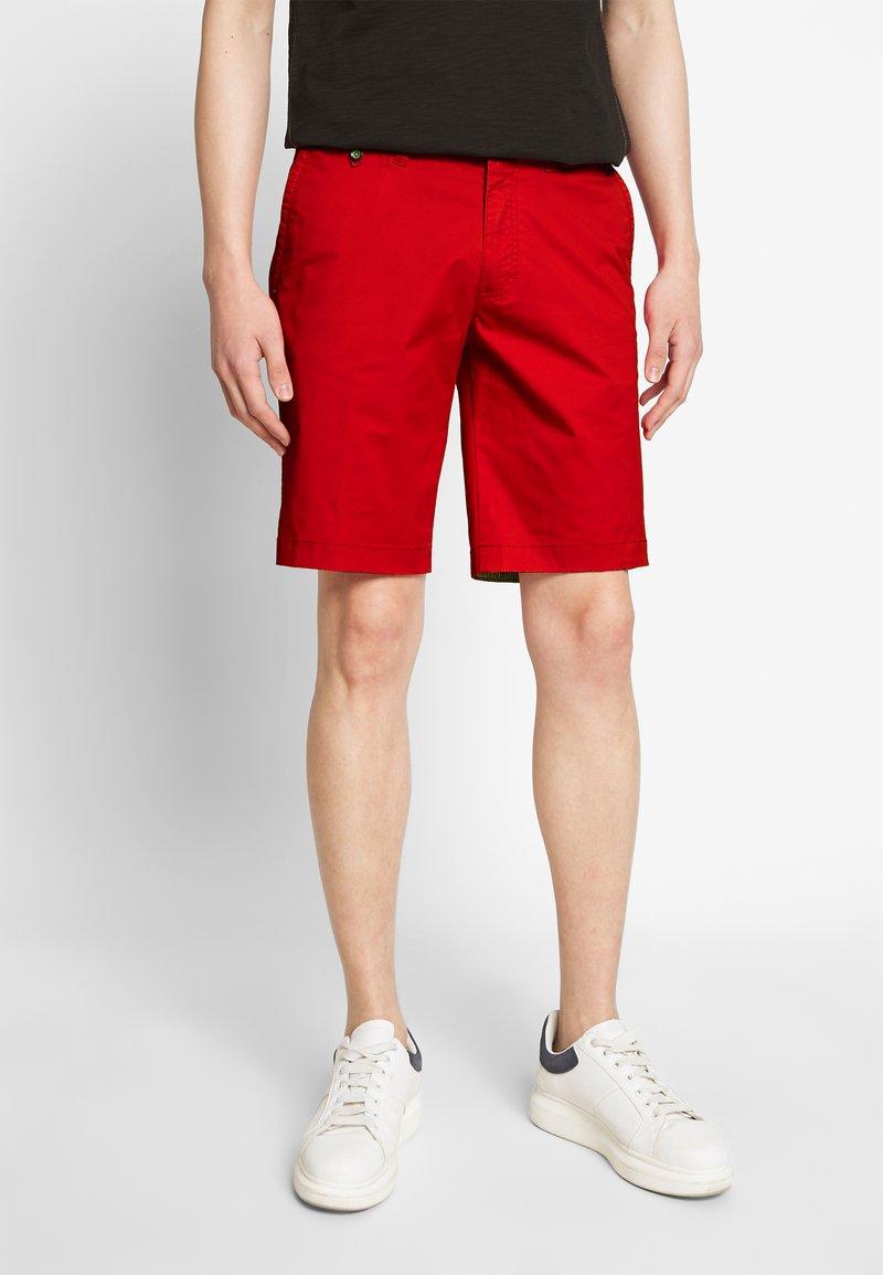Bugatti - Shorts - red