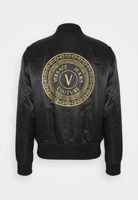 Versace Jeans Couture - REGALIA BAROQUE - Blouson Bomber - nero + oro - 1