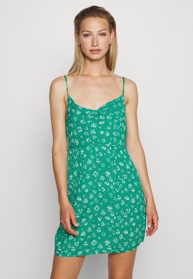 JADE MINI DRESS - Vapaa-ajan mekko - emerald multi