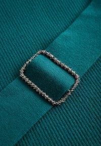 ORSAY - MIT GÜRTEL - Jumper dress - blaugrün - 4