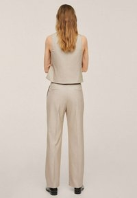 Mango - PLEATED - Trousers - beige - 2