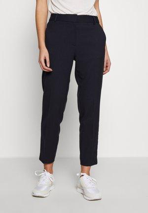 SLFRIA CROPPED PANT - Spodnie materiałowe - dark sapphire