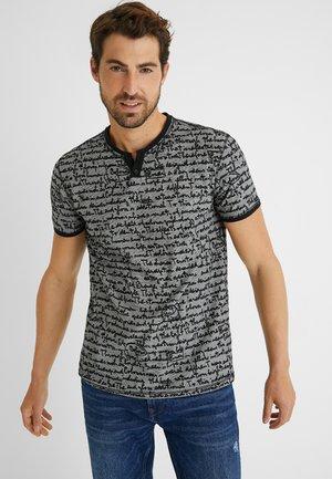 CAMILO - Print T-shirt - black