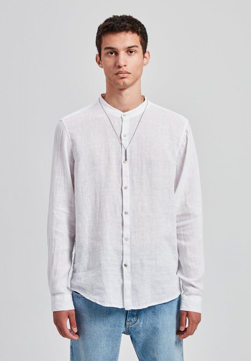 PULL&BEAR - Skjorter - white