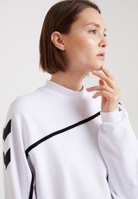 Hummel Hive - CRISSY - Sweatshirt - white - 3