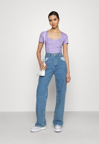 Monki - MINNIE - Printtipaita - purple - 1