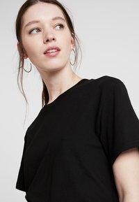 Weekday - ALANIS - Basic T-shirt - black - 3
