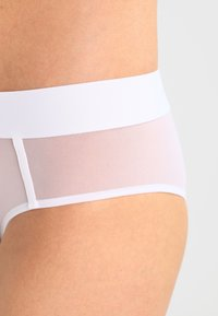 DKNY Intimates - SHEERS HIPSTER - Briefs - white - 4
