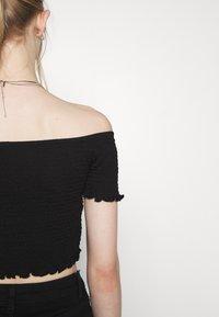 Glamorous - BARDOT 2 PACK - Basic T-shirt - black/red - 5