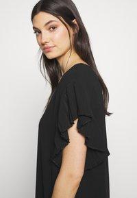DKNY - VNECK DRESS RUFFLE  - Kjole - black - 6