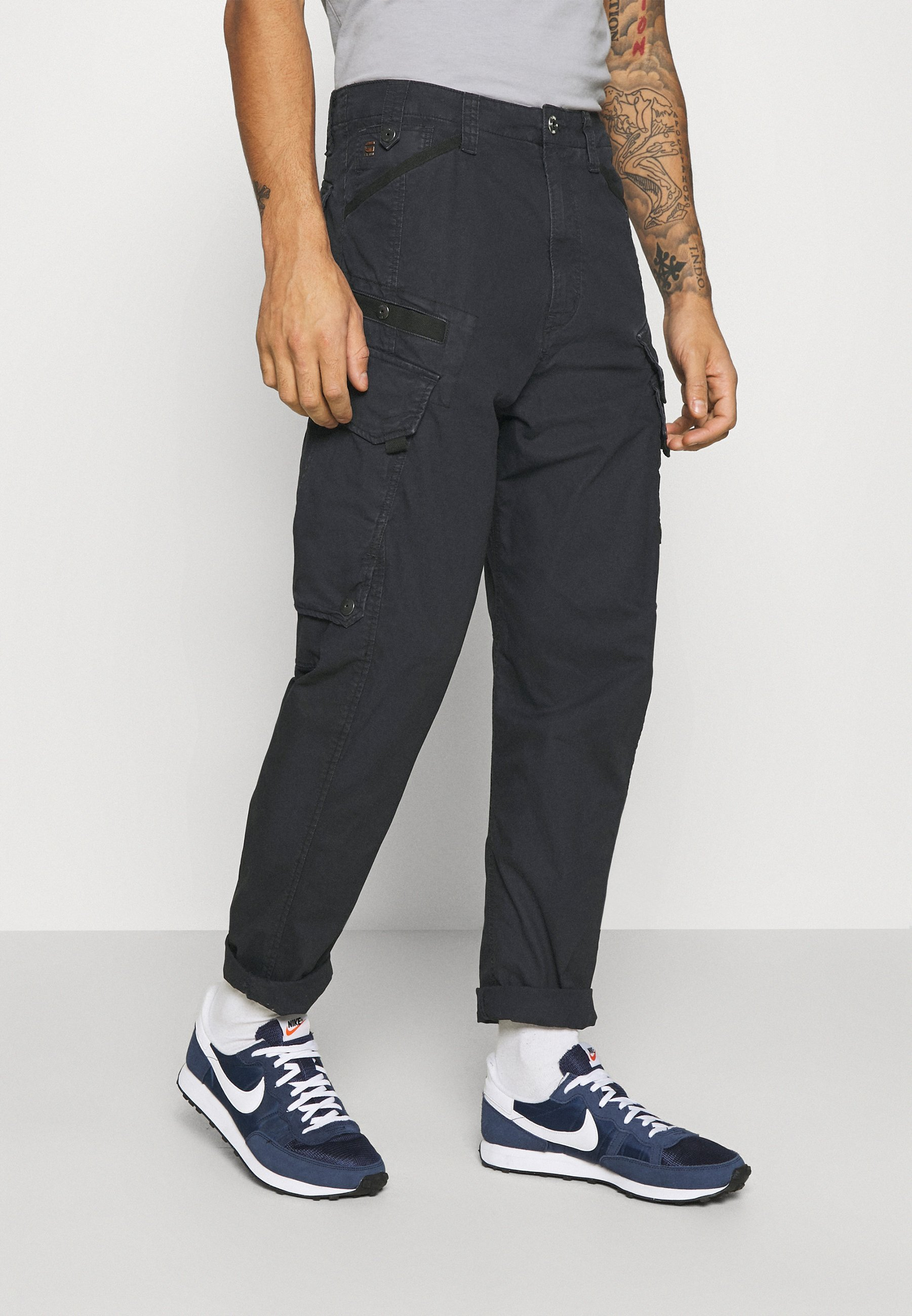 Homme DRONER RELAXED TAPERED PANT - Pantalon cargo - sartho blue wave