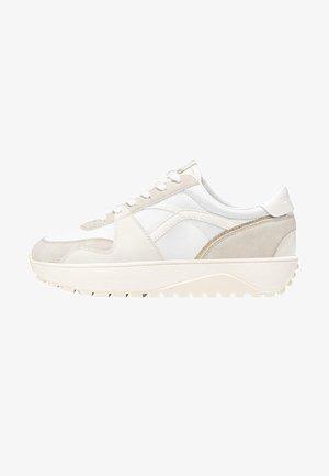 SPORTSCHUH MIT DETAILS 19512871 - Sneakers laag - white