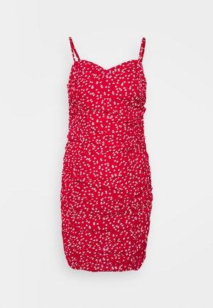 HEART RUCHED DRESS - Denní šaty - red