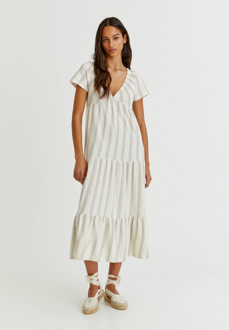 PULL&BEAR - Maxi dress - white