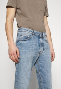 DRYKORN - BIT - Jeans Tapered Fit - blue - 3
