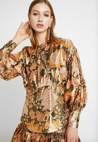 Thurley - TANGLEWOOD BLOUSE - Bluzka - black/gold - 3