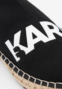 KARL LAGERFELD - KAMINI SPRINT LOGO - Espadrilky - black/white - 4