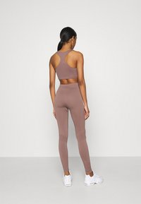 Weekday - CILLI SEAMLESS  - Débardeur - brown plum - 2