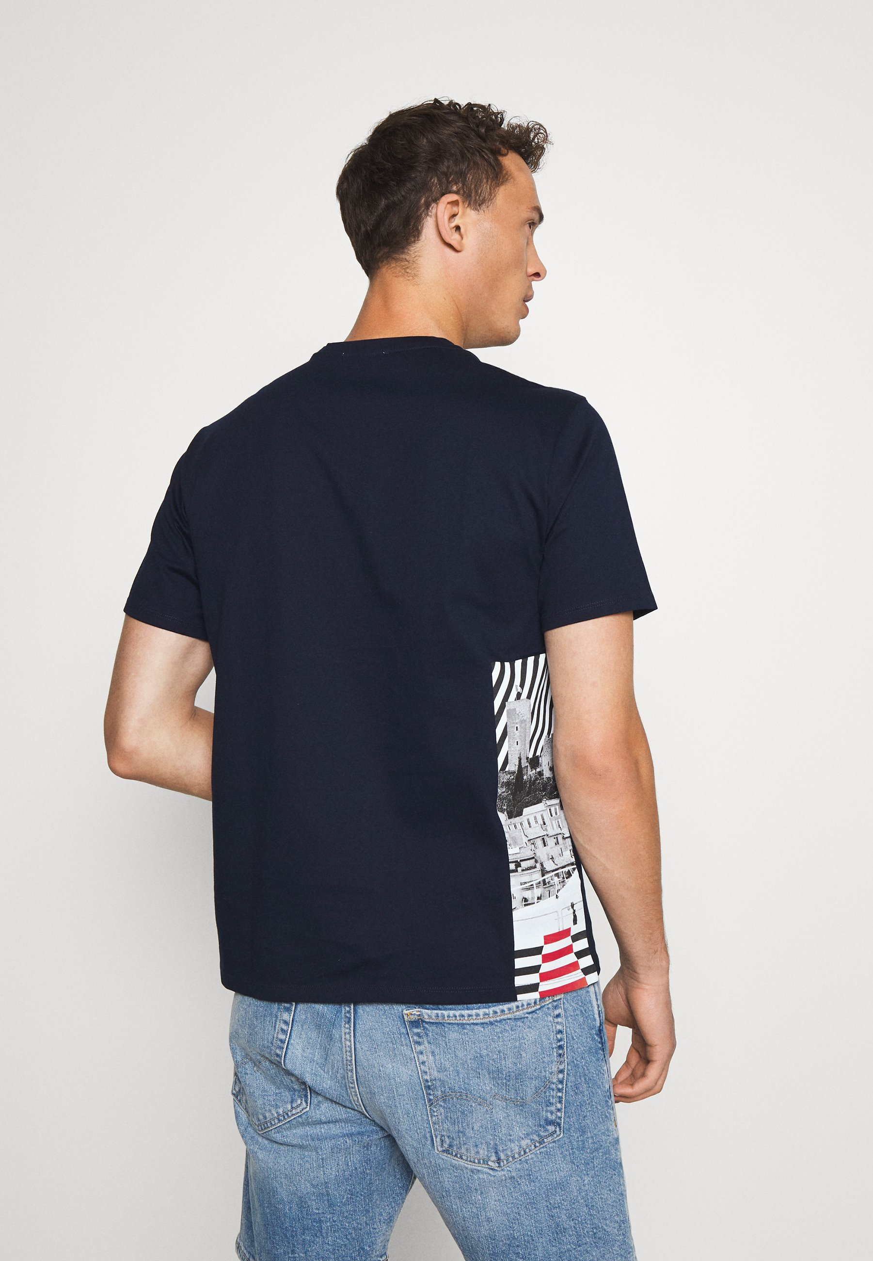 Benetton CANNES - Print T-shirt - dark blue iocNg