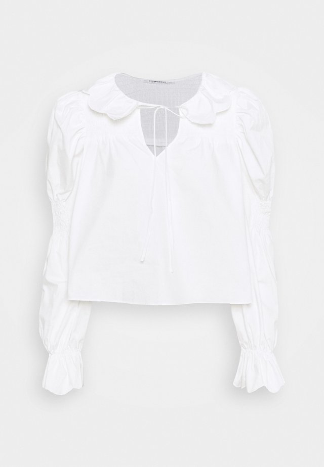 SCALLOP COLLAR SHIRRED BLOUSE WITH PUFF LONG SLEEVES AND NECK TALL - Bluser - white
