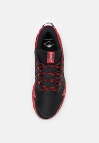 ASICS - GEL FUJITRABUCO 8 - Trail running shoes - classic red/piedmont grey - 3