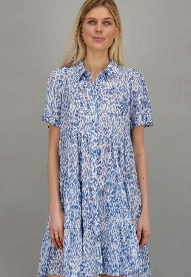 Shirt dress - lake animal