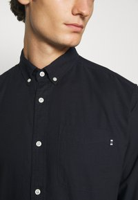 Jack & Jones PREMIUM - JJECLASSIC  - Shirt - navy blazer - 6