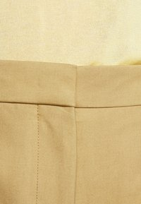 Victoria Beckham - WIDE BOOTCUT TROUSER - Trousers - taupe - 6