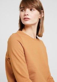 Noisy May - NMPANA SOLID - Sweatshirt - brown sugar - 3