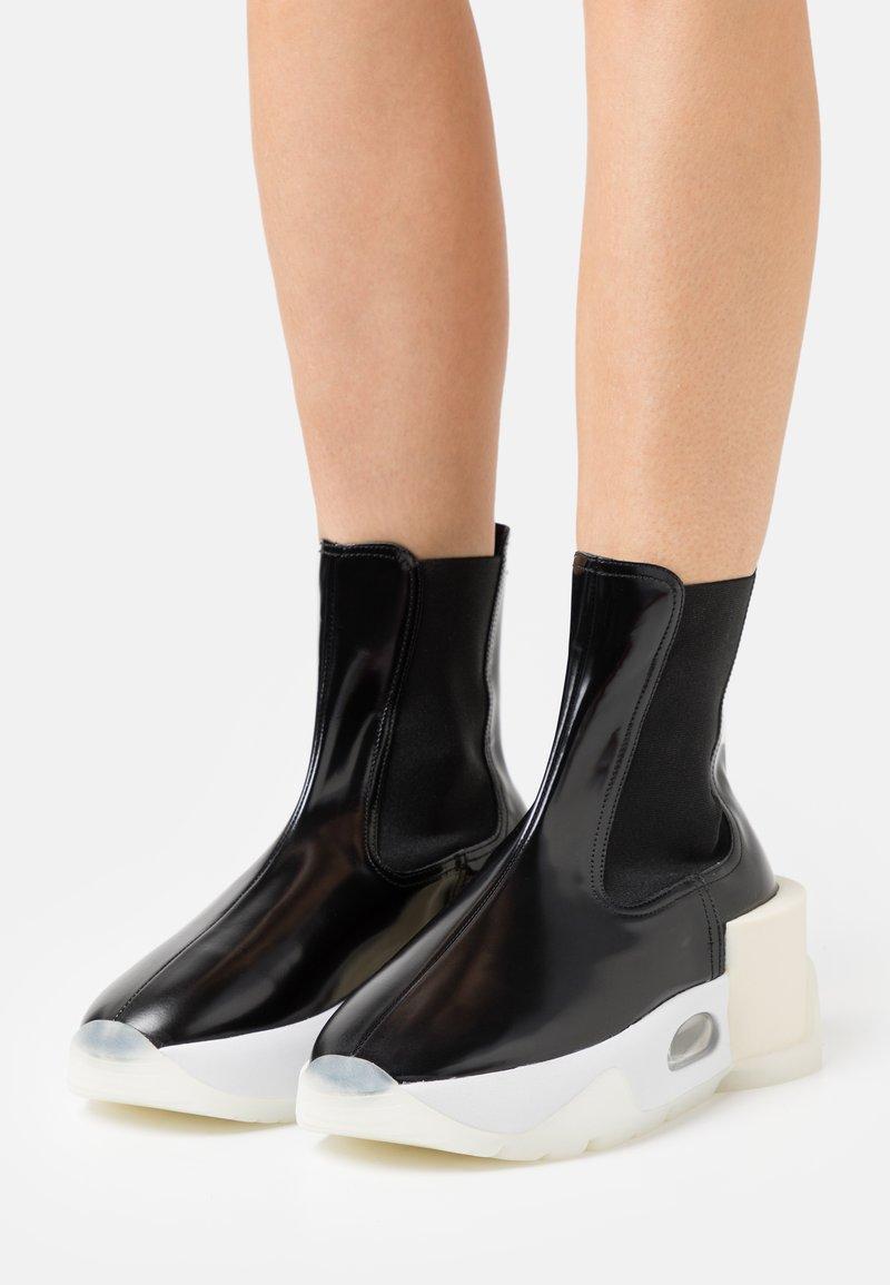 MM6 Maison Margiela - BOOT - Platform ankle boots - black