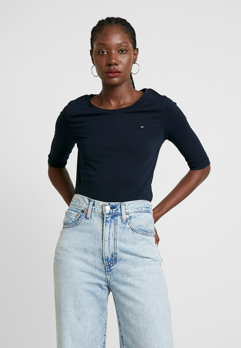 Tommy Hilfiger - ESSENTIAL SOLID - Basic T-shirt - desert sky