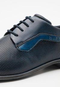 Bugatti - MORINO - Veterschoenen - dark blue/light blue - 5