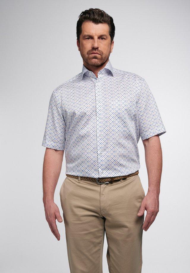 COMFORT FIT - Skjorte - beige/blau
