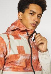 Helly Hansen - PURSUIT JACKET - Outdoor jacket - patrol orange - 5