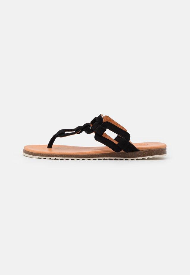 LAYLA - Sandály s odděleným palcem - black